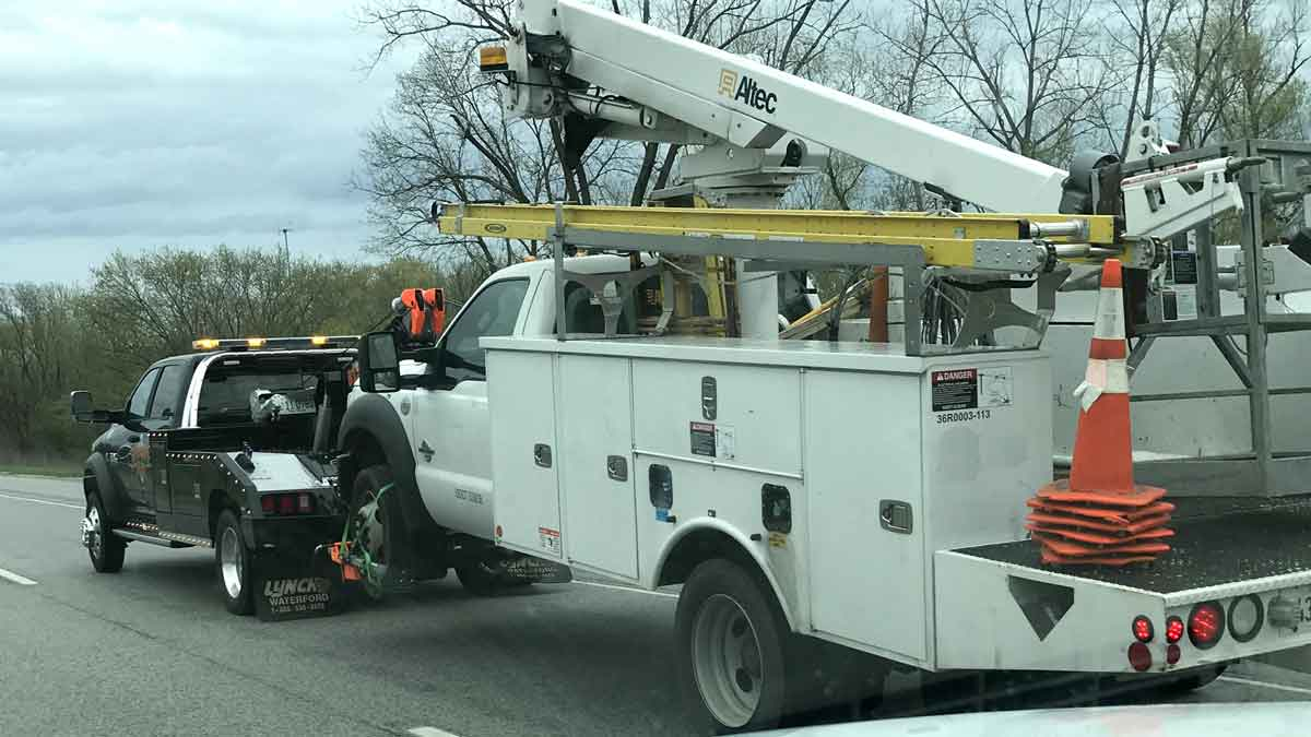 Quad Cities Work Truck Towing
